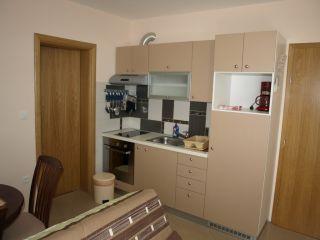 Apartment 4 (4+2)