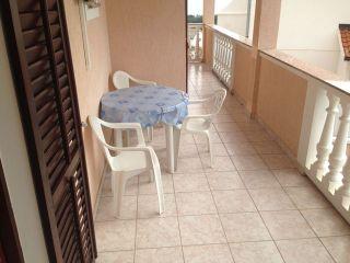 Apartment 2 (A2+2)
